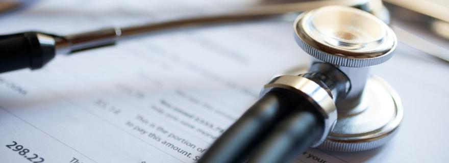 Descubre cuáles son los motivos por los que puede subir el precio de tu seguro de salud